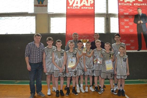 """баскетбол у Дрогобичі """"Весна Прикарпаття"""""""