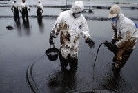 """Московія """"захлинається"""" нафтою"""