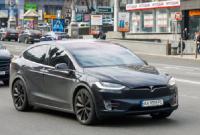 Ексочільнику Офісу президента Богдану спалили машину «Тесла»